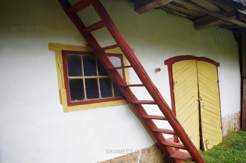 Renoveeritud-savifassaad-värvitud-lubivärviga