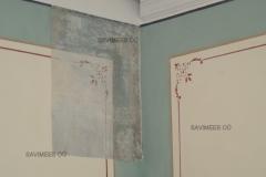 Restaureeritud maalingud. Seinad krohvitud lubikrohviga, pahteldatud lubipahtliga, värvitud lubivärviga.
